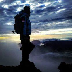 Berselfie indah di puncak gunung kerinci