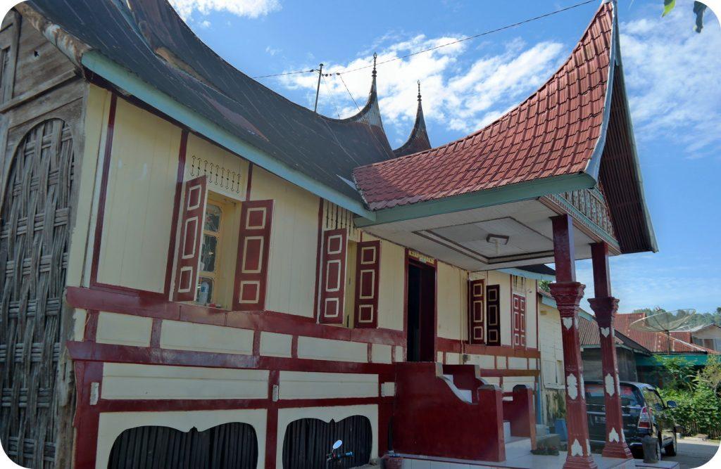 rumah gadang tempat batu angkek - angkek