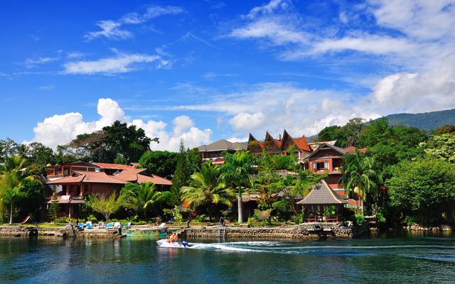 PROGRAM Tour Padang Overland Medan Samosir Brastagi PKU 5d4n