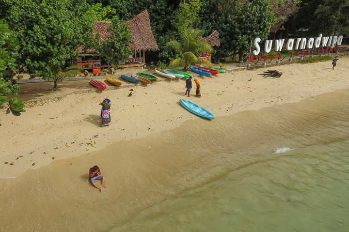 Paket Wisata Keliling Pulau di Padang